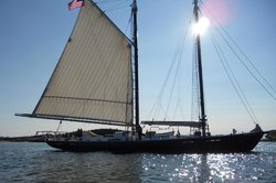 Schooner J. & E. Riggin Day Cruises