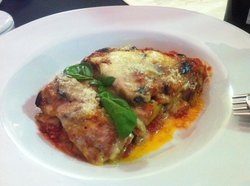 Mezzaluna Pizzeria Trattoria & Cafe