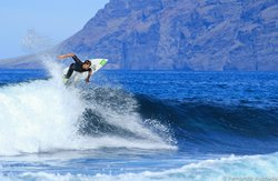 Blackstone Tenerife surf camp