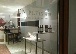 En plein air wine and restaurant