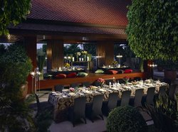 dusit-thani-manila_services_outside-catering