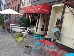 La Bouche Cafe