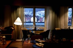 Kitchen & Table Bergen