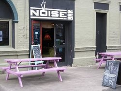Noise Bar Kitchen