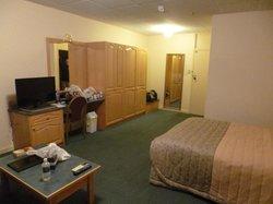 Spacious twin room
