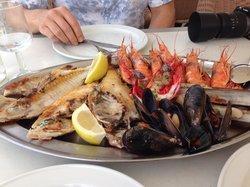 Antonito, papagayo, bogavante, mussels, razor clams and prawns. Fabulous and very reasonably pri