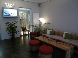Foyer mit Internetstation