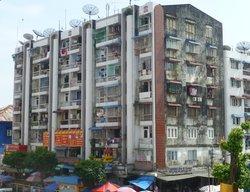 Apartment block close to Traders