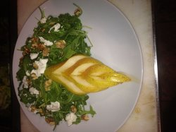 Organic mixed baby greens tossed in lemon vinaigrette, walnuts, fresh goat cheese and sweet ital