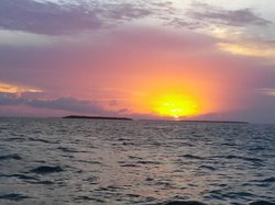 sunset from Fury champagne cruise