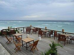 Anda Beach Hotel & Restaurant