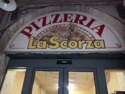 Pizzeria La Scorza 233
