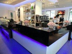 Les Folies Cafe