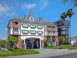 Anaheim Camelot Inn & Suites