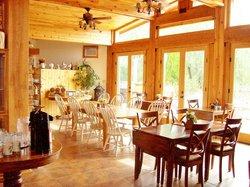 Arrowhead Country Inn & Cabins