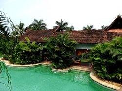 Meandering pool villas