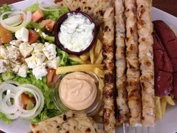 La Taverna Greca Bouzouki