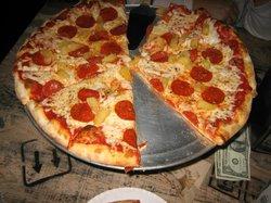 Cosa Nostra Pizzeria