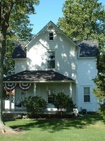 Off Farmhouse Bed and Breakfast