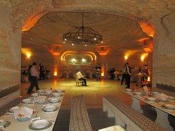 Uranos Restaurant - Türk Gecesi Gösterisi