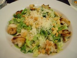 Salad of wonderfully grilled shrimp