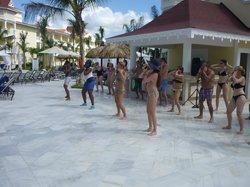 cour de merengue à la piscine