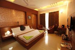 AMR Evergreen Hotel