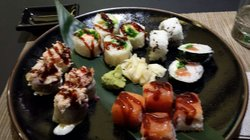 Kiss Kiss Bang Bang Sushi&drink