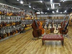 Gruhn Guitars