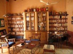 Le coin des livres dans la bibliothèque