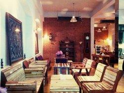 Jatujak Gallery & Restaurant