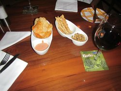 Appetizers and a nice Indian wine (Grover Vineyards, La Reserve)