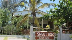 Sweet Bar & Guesthouse