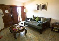 Beachfront villa - гостиная комната