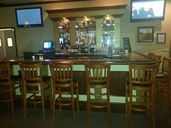 Denallis Grill and Bar