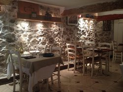 La sala superiore del ristorante, attenzione alla testa ;-)
