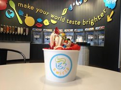 Swirlz Yogurt Bar