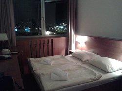 Vistas desde la habitación por la noche