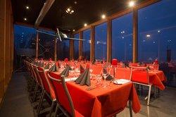 Die Aviators Lounge - trotz Technik, abends sehr romantisch