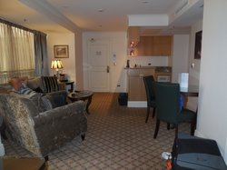 Lounge & Kitchen King Suite