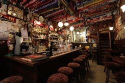 Cafe de Dam, Louis Bar