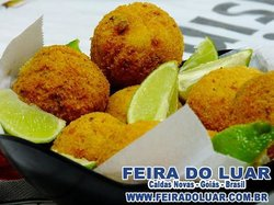 BOLINHO DE BACALHAU FEIRA DO LUAR
