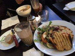 Kafe Esaias