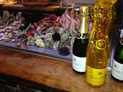 Champagneria & Wine
