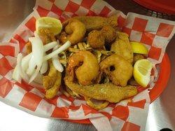 Robert's Fish N Tackle & Restaurant