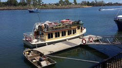 Burnett River Cruises - Day River Cruises