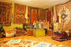 Kervan Carpet & Kilim