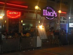 Hacis Cafe - Restaurant Bar
