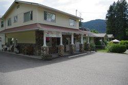 Totem Motel & Resort