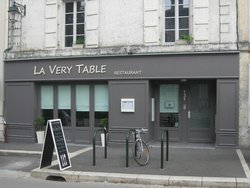 La very table